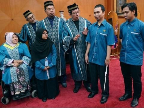 Tiga pelajar OKU curi tumpuan Majlis Baiah UIAM
