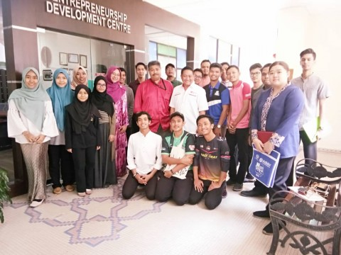 Meeting between EDC, Persatuan Nadi Sihat and Social Entrepreneurship Club on the Charity Run programme