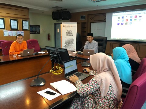 Discussion on the postgraduate system for clinical specialization programme