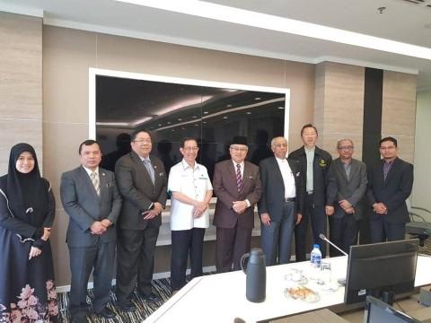 Kunjungan hormat INHART-IIUM to JAKIM with Rector of IIUM