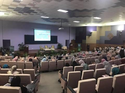 Attending 5th Muzakaroh Fiqh & International Fiqh Conference 2019
