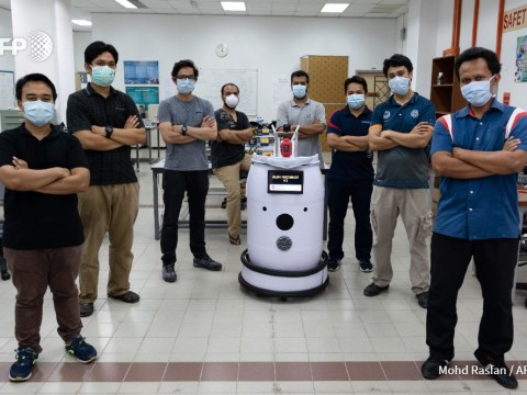 'Medibot' to do rounds on Malaysian virus wards
