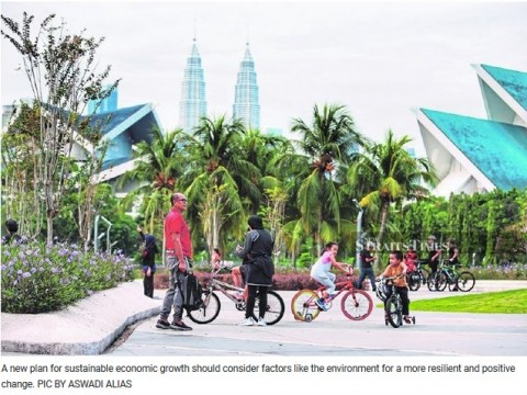 Shift to a green growth economy vital