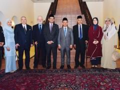 Profesor Ulung Datuk Dr Osman Bakar Penyandang Kursi Al-Ghazzali Dalam Pemikiran Islam