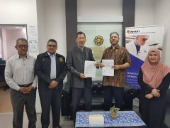 LOI signing ceremony with Chairman of Canadian Centre for Deen Studies