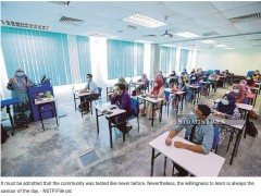 Foresighting higher education holistically