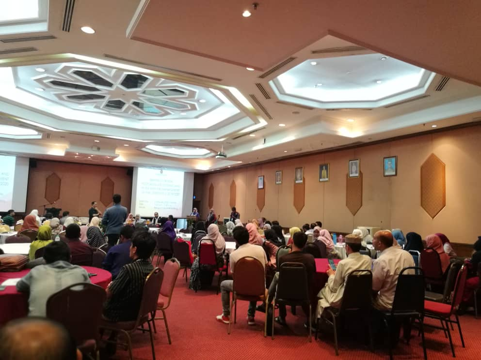 Briefing And Hi-Tea Between New Postgraduate Students And The Management Of IIUM