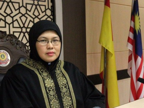 IIUM Alumni, one of Msia's first female Syariah High Court judges named in BBC's 100 Women list