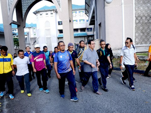 The Rector calls on IIUM staff to maintain a clean environment and a healthy body