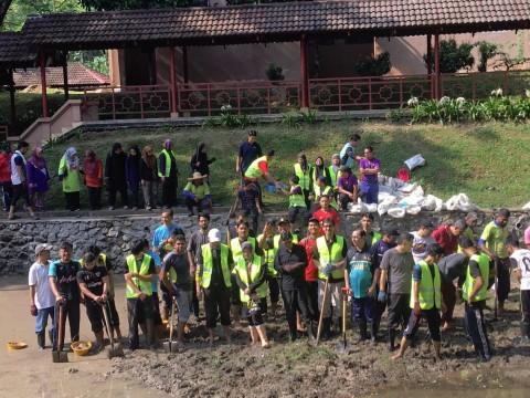 Program Gotong-Royong 4.0 bersama pelajar dan kakitangan UIAM