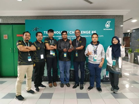 CONGRATULATIONS IIUM-ROBOTEAM HAWK: 2nd Runner-up in Petronas Drone Challenge!