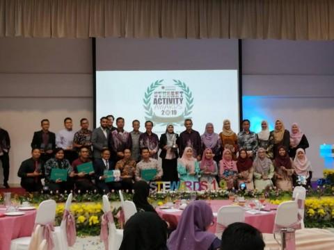 Student Activity Awards 2019: Roy Haiza wins President's award