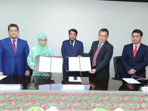 IIUM signs MoA with Constitutional Court of the Republic of Indonesia