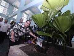 """IIUM Rector officiated the """"Garden"""" in the IIUM Medical Centre (IIUMMC) Kuantan."""