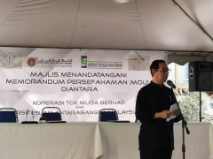 MOU between Koperasi Tok Muda Berhad with Department of Plant Science IIUM